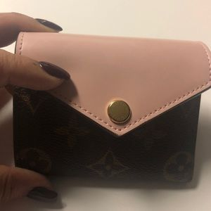 Zoe compact wallet leather